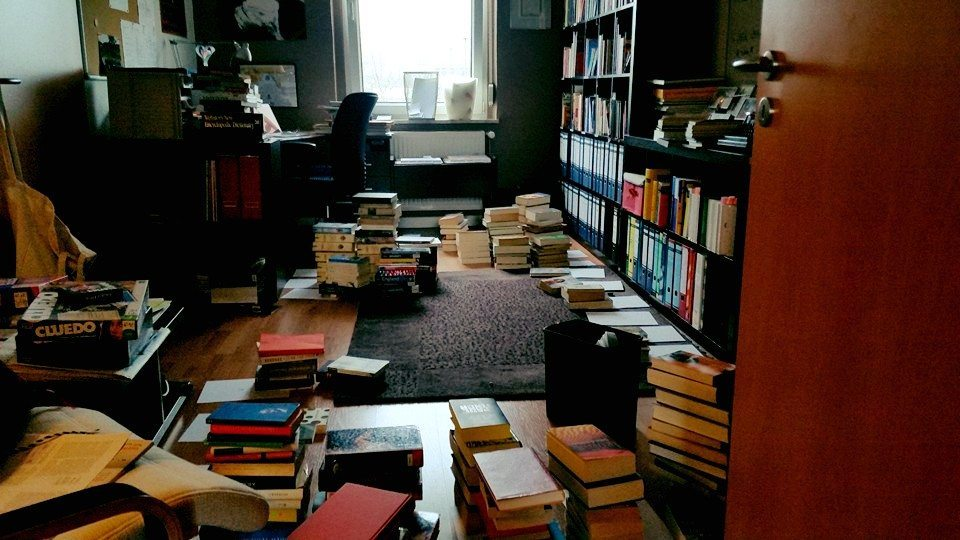 Der Bücherstapel in meinem wird einfach nicht kleiner.