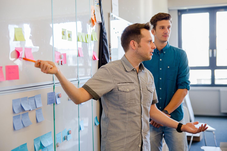 Agile Marketing: Daily-Scrum bei Pixum, hier mit dem Scrum-Master Michael Diehl.